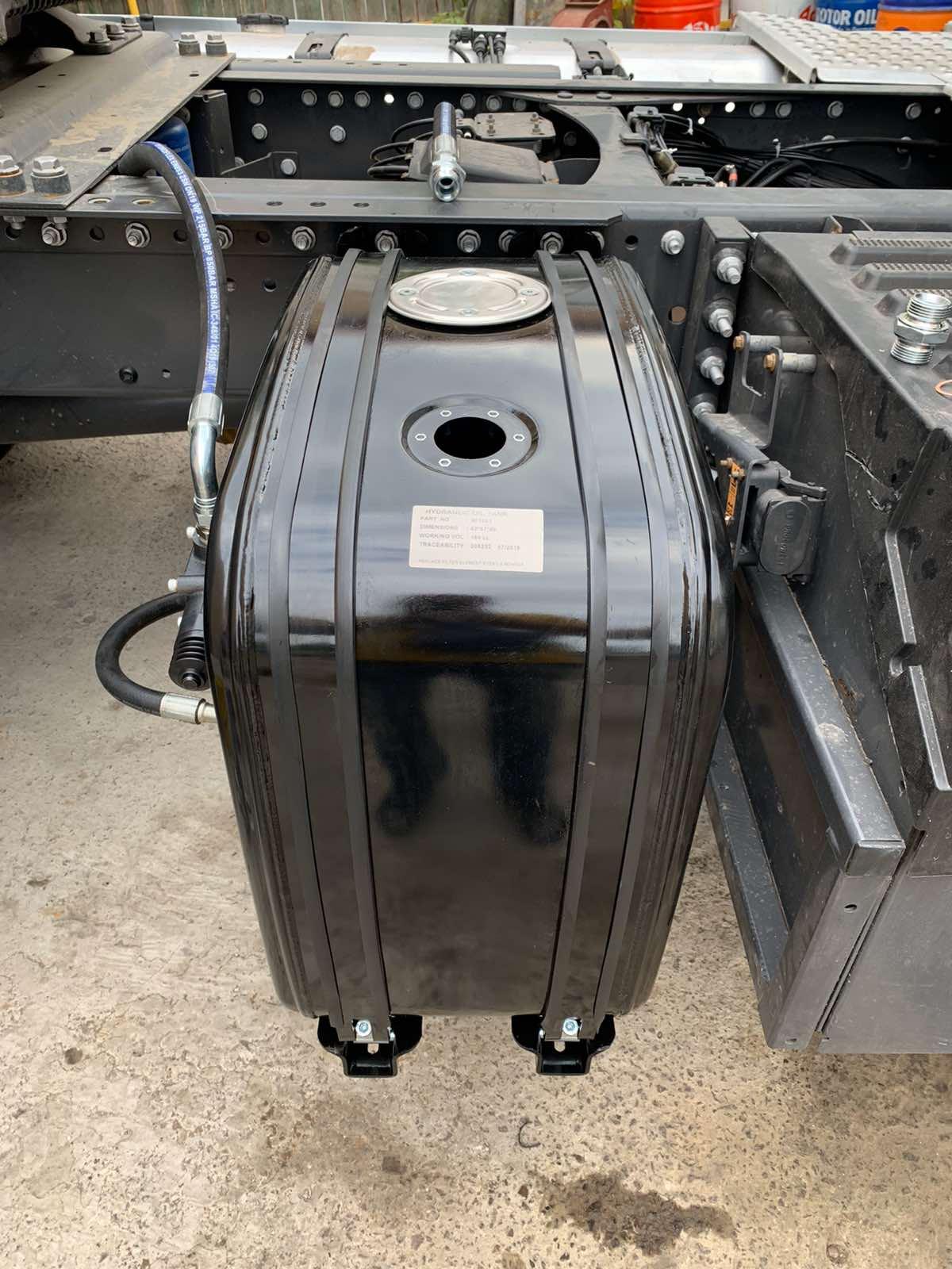 Установка гідравліки на тягач RENAULT Premium 460 DXI