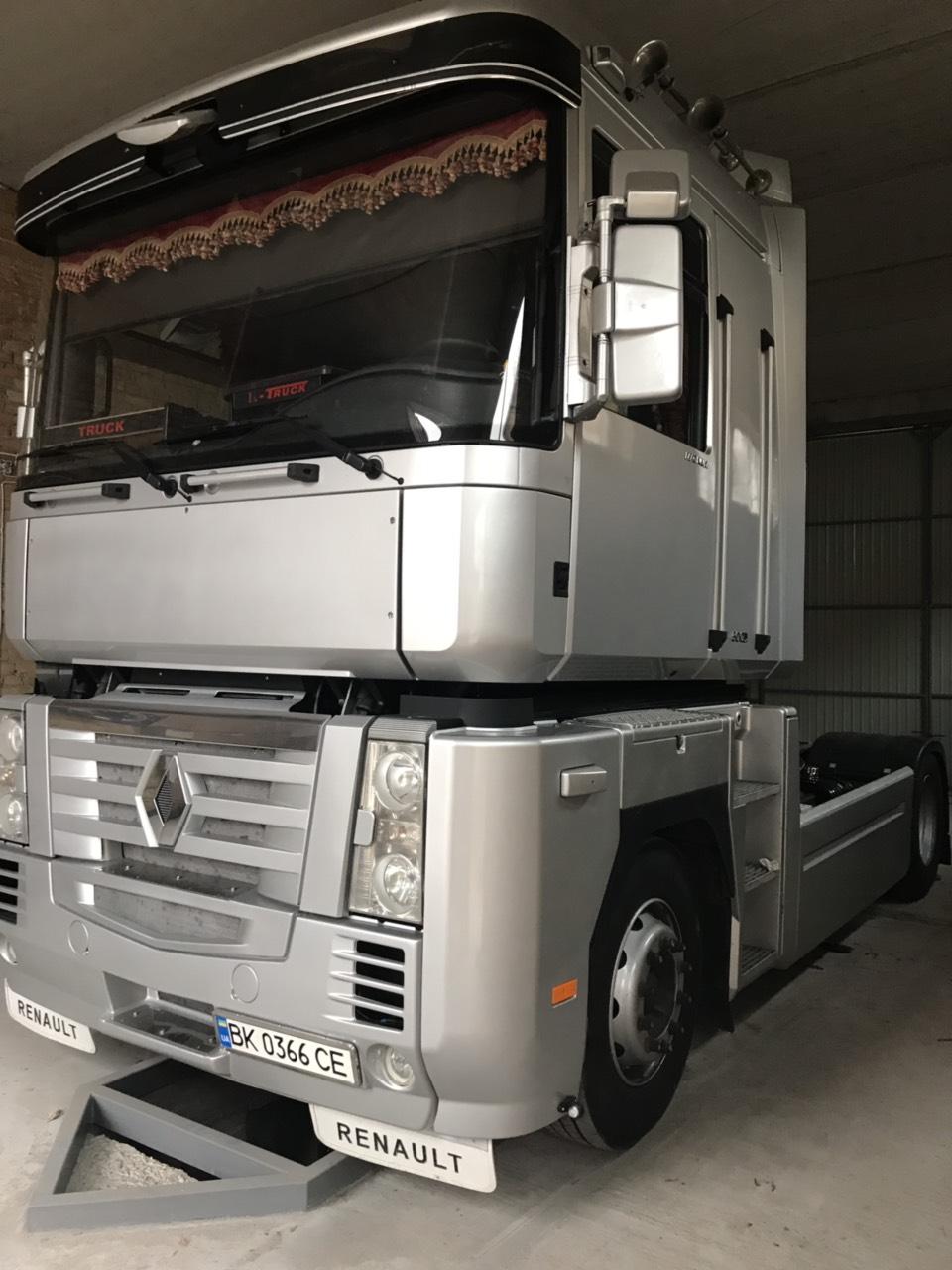 Установка гідравліки на тягач Renault Magnum 500 DXi Euro 5