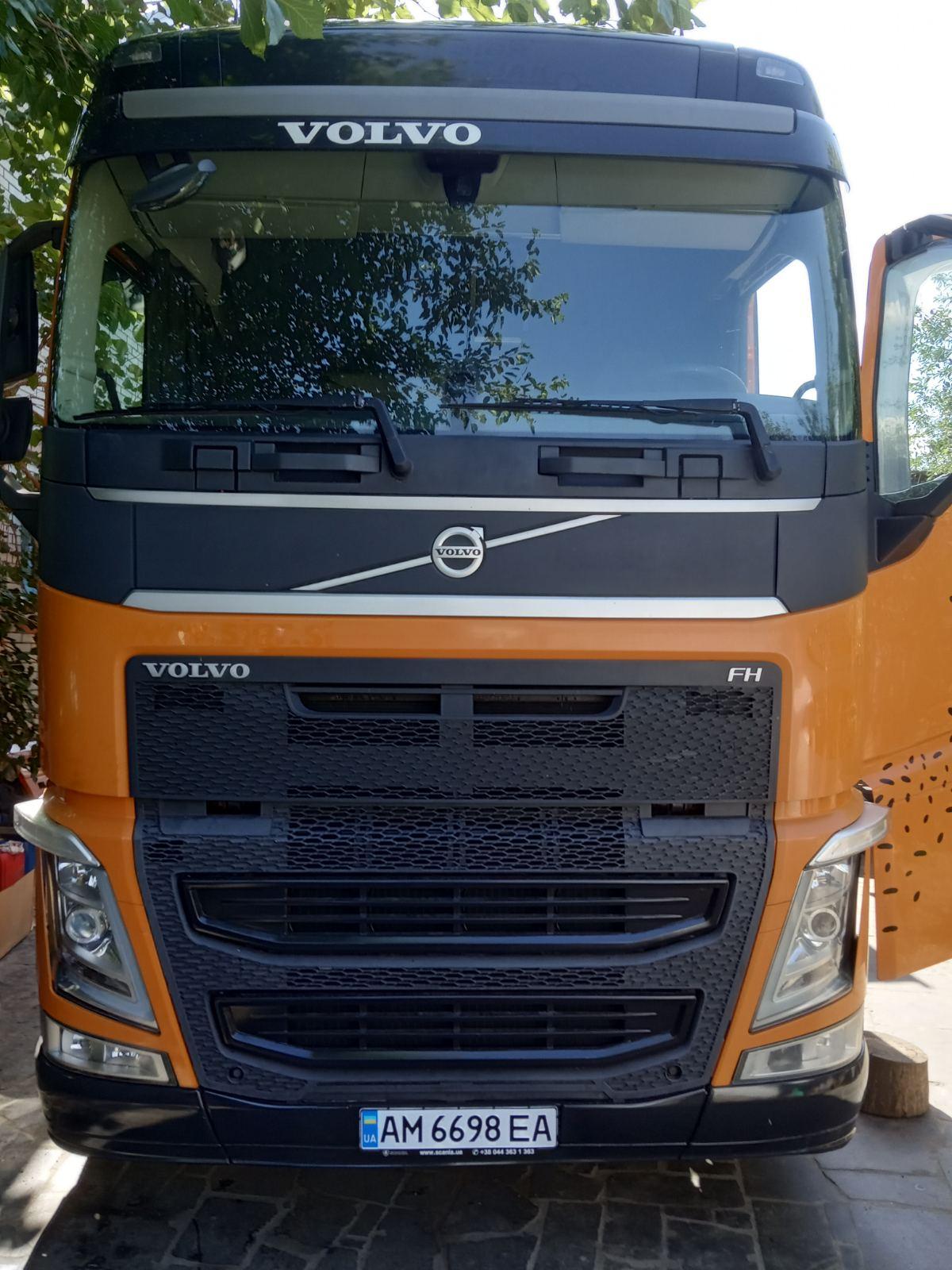 Установка гідравліки на тягач Volvo FH 16